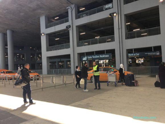 イスタンブール新空港のタクシー乗り場