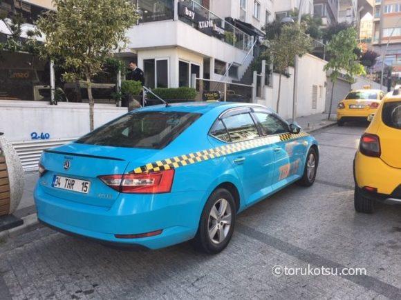イスタンブールの水色タクシー