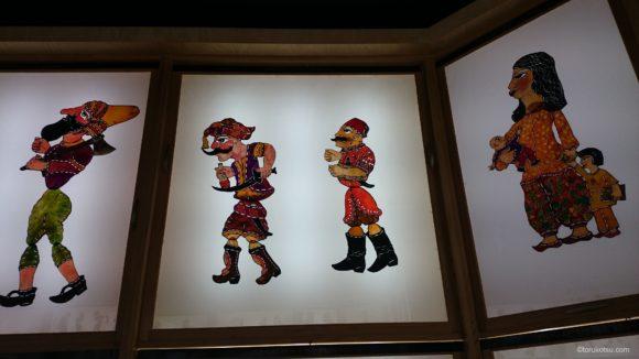 トルコの伝統的な影絵「カラギョズ」