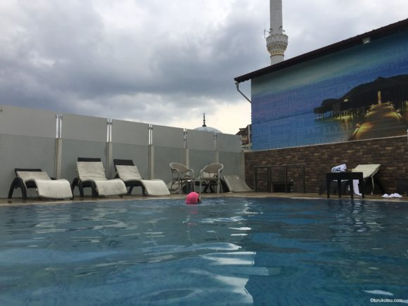Elysium Thermal Hotel&Spa の屋上温泉プール