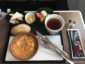 トルコ航空ビジネスクラスの国内線機内食
