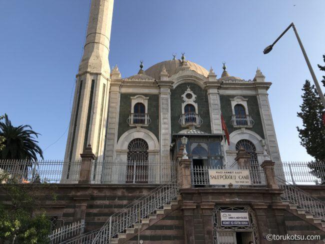 イズミルの観光スポット【サレップチオールモスク(Salepçioğlu Camii)】