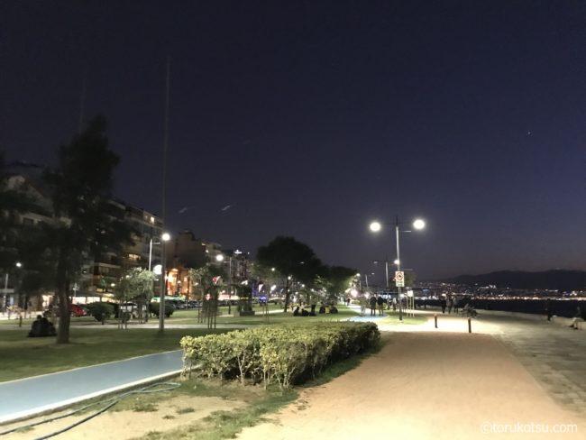 イズミルの観光スポット【アルサンジャック周辺の海岸沿い遊歩道】