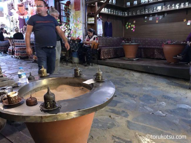 シリンジェ村の砂トルココーヒー