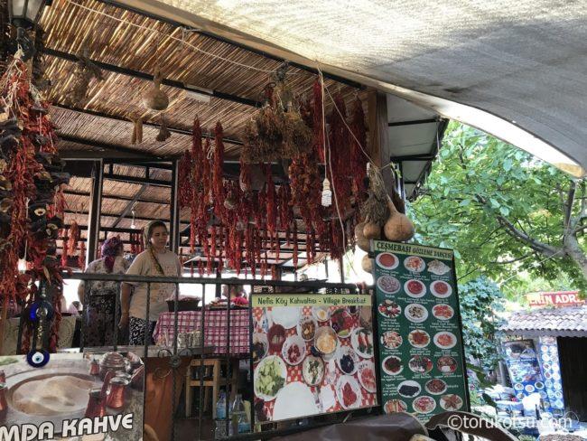 シリンジェ村のレストラン